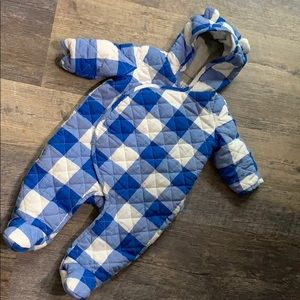 Quilted baby gap snowsuit 3-6 m